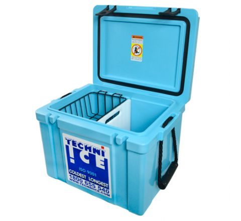 Techniice Classic Hybrid Ice box 25L Light Blue